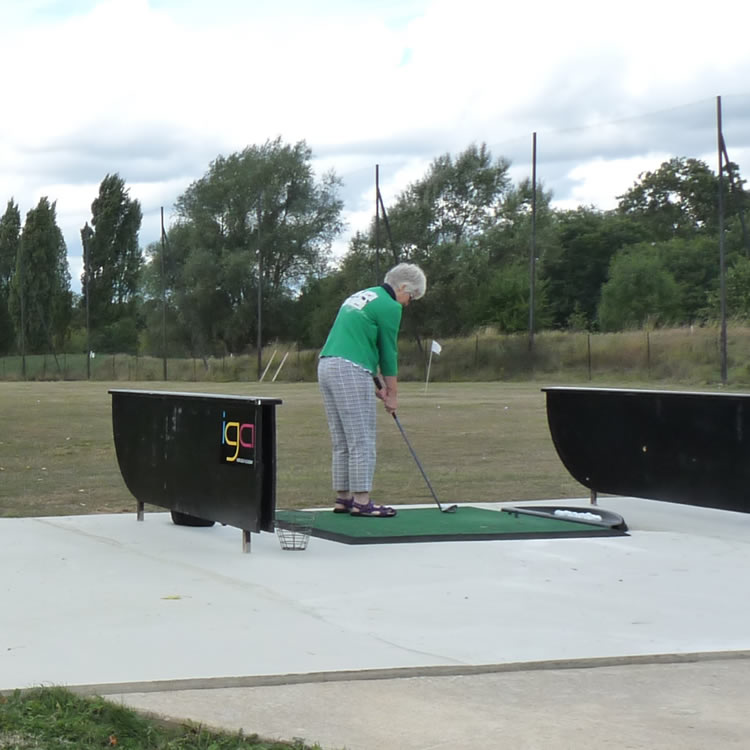 The driving range facility at Iver Golf is perfectly located for golfers in the Slough, Langley, Wexham Park, and surrounding local areas.
